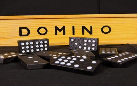 Cool društvene igre - domino