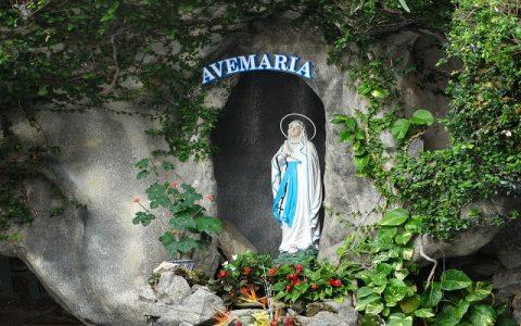 Viđenja Blažene Djevice Marije i što nam donose poruke Blažene Djevice Marije?