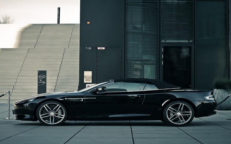 Cool trkaći auti - Aston Martin