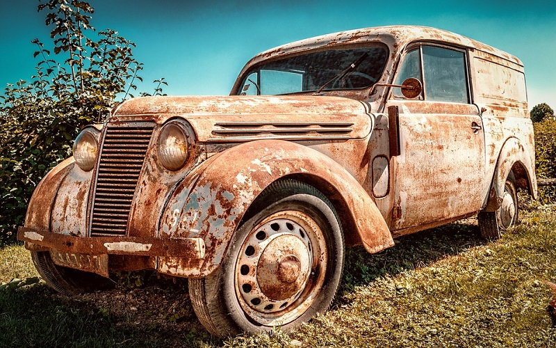 Oldtimer auti - Renault Juvaquatre