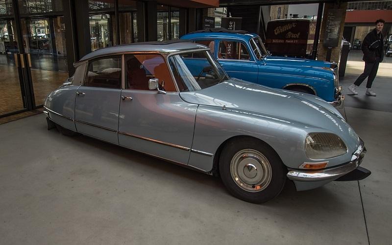 Oldtimer auti - Citroen Pallas