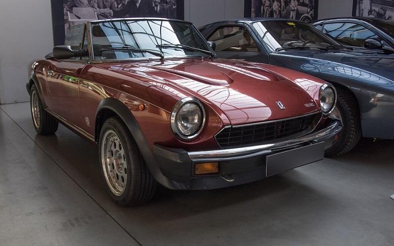 Stara vozila - Sportski Fiat Cabriolet