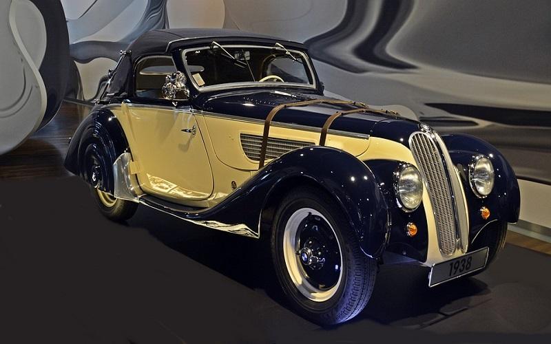 Oldtimer auti - BMW 328