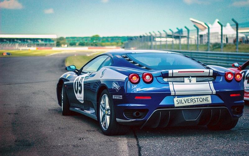 Trkaći auti - Ferrari