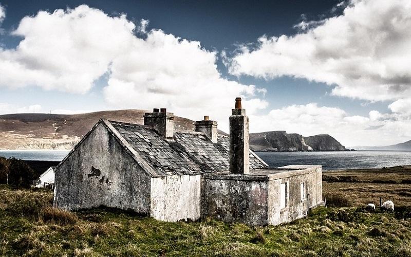 Lijepe i napuštene kuće u osami