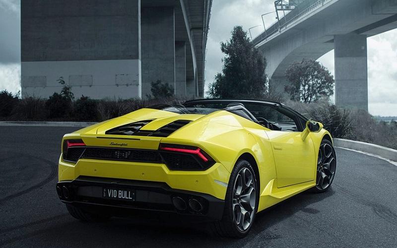 Trkaći auti - Lamborghini Huracan