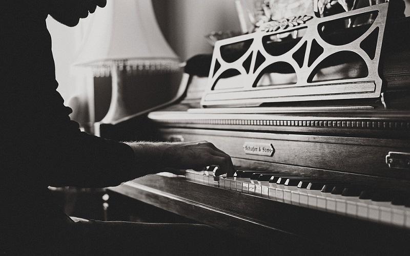 Glazbeni instrumenti s tipkama - Klavir