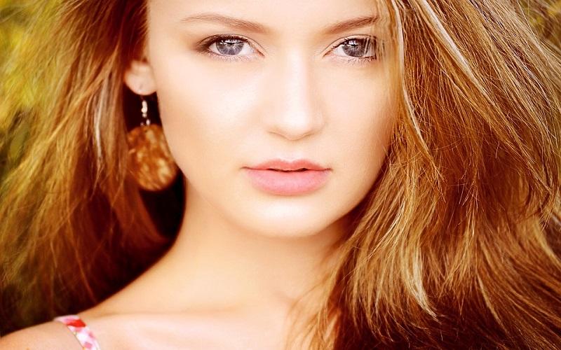 Fotografije žena - Crvenokosa ljepotica