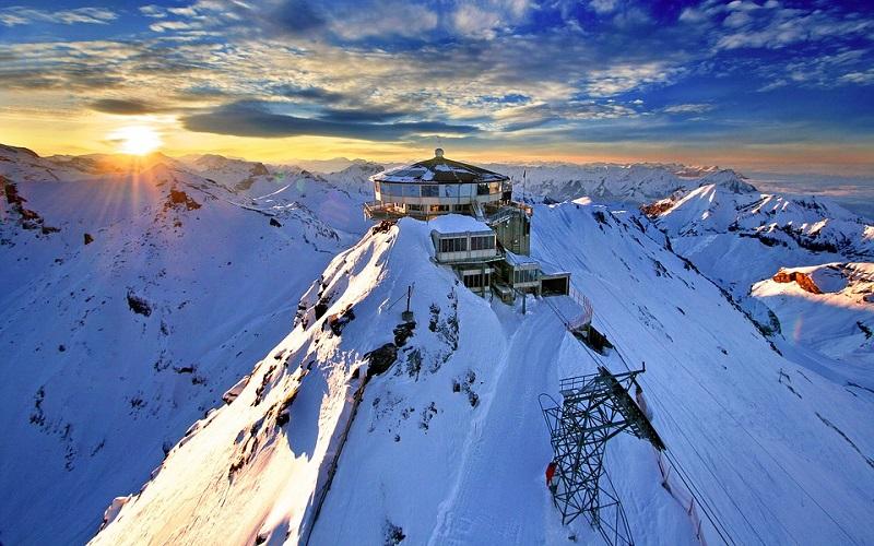 Zima slike - planine u Švicarskoj