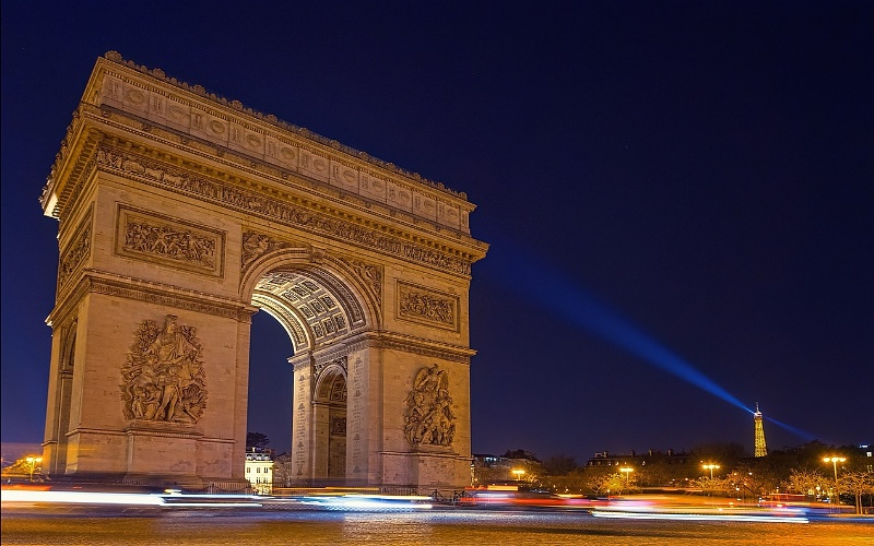 Glavni gradovi Europe Pariz i Trijumfalna kapija