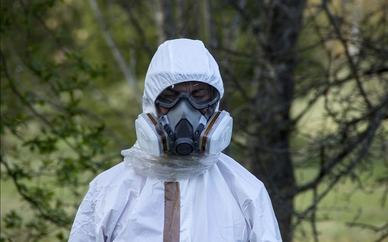 Zaštitno odijelo i gas maska