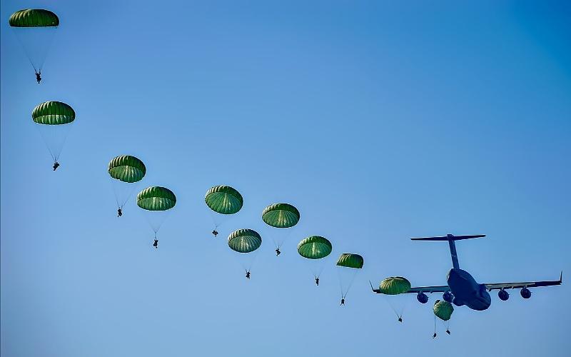 Vojni padobranci