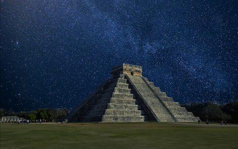 Chichén Itzá: Zanimljive povijesne građevine