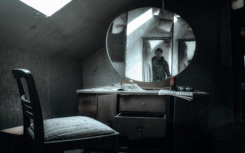 Ogledalo strave: Najbolje strašne horror priče