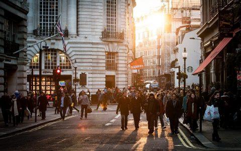 Neka osnovna pravila lijepog ponašanja na ulici za pješake