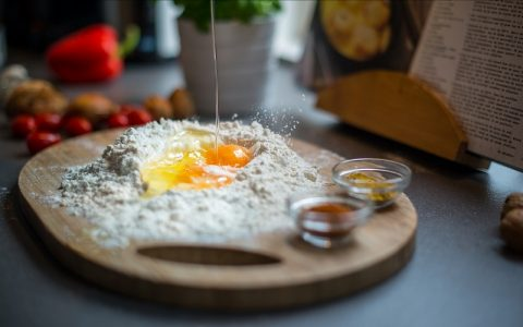 Kuglof s grožđicama: Recepti za slatka jela