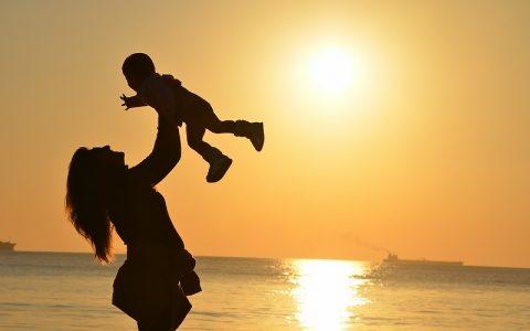 Stihovi za mamu koji će je sigurno jako razveseliti