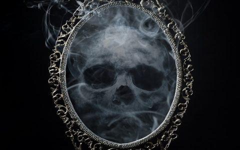 Strašne priče o duhovima: Duh u ukletoj kući