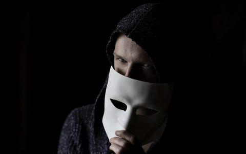 Čudne priče običnih ljudi: Noćni posjetitelj