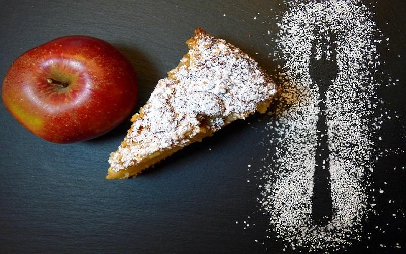 Štrudla od sira, oraha i jabuka: Recepti za slatka jela