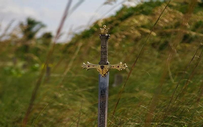 Excalibur je mač kojem se pridaju velike magične moći